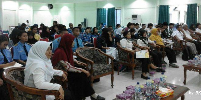 KPU Palangka Raya Laksanakan Sosialisasi Dan Pendidikan Pada Pelajar-Mahasiswa
