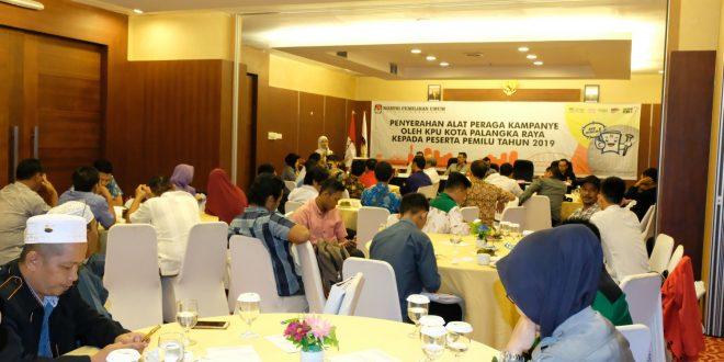 KPU Palangka Raya Serahkan APK kepada Peserta Pemilu 2019