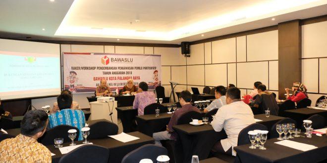 Kaban Kesbangpol Berikan Materi Workshop Pengawasan Pemilu Partisipatif